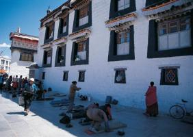 4 Days Lhasa & Namtso Lake Tour pictures